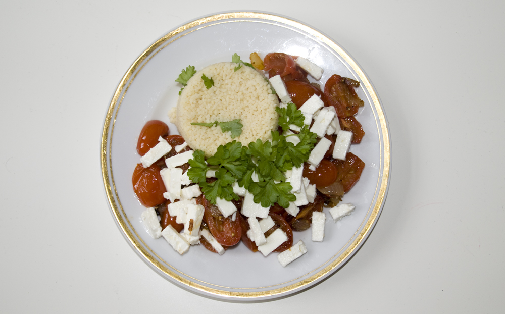 Petersilien-Couscous mit Tomaten und Feta