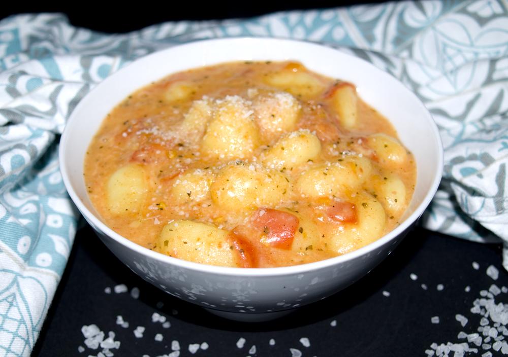 Gnocci mit Tomaten und Mozzarella